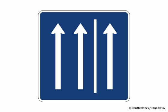 Verkehrsschild_Befahren_des_Standstreifens_erlaubt_ATP